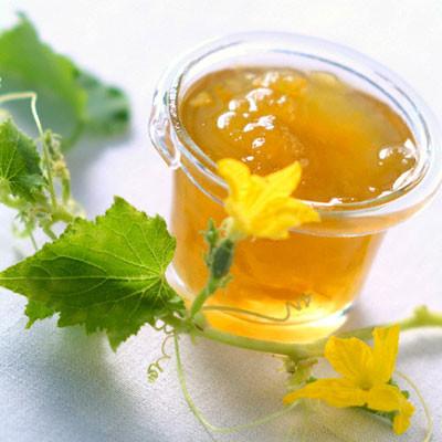 Mật ong kết hợp lá mướp, lá sen - Cách làm giảm bớt tàn nhang hiệu quả