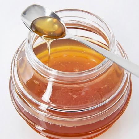 Xóa mờ tàn nhang bằng cách sử dụng mật ong kiên trì 2