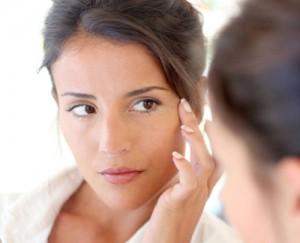 Làm sao để trị hết tàn nhang sau sinh?