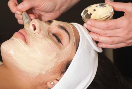 Khám phá công dụng tuyệt vời của sữa ong chúa trong điều trị tàn nhang 3