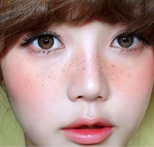 Cách làm mất tàn nhang trên mặt không để lại sẹo