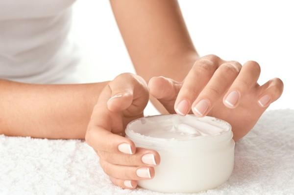 Bật mí cách dùng kem trị nám và tàn nhang hiệu quả8