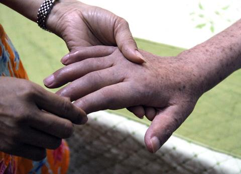 Đâu là cách trị tàn nhang ở tay không tái phát? 11