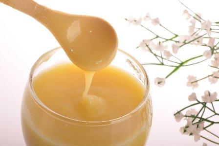 Cách sử dụng sữa ong chúa trị tàn nhang 1