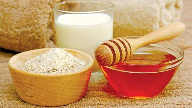 Chữa trị tàn nhang bằng mật ong mầm lúa mạch