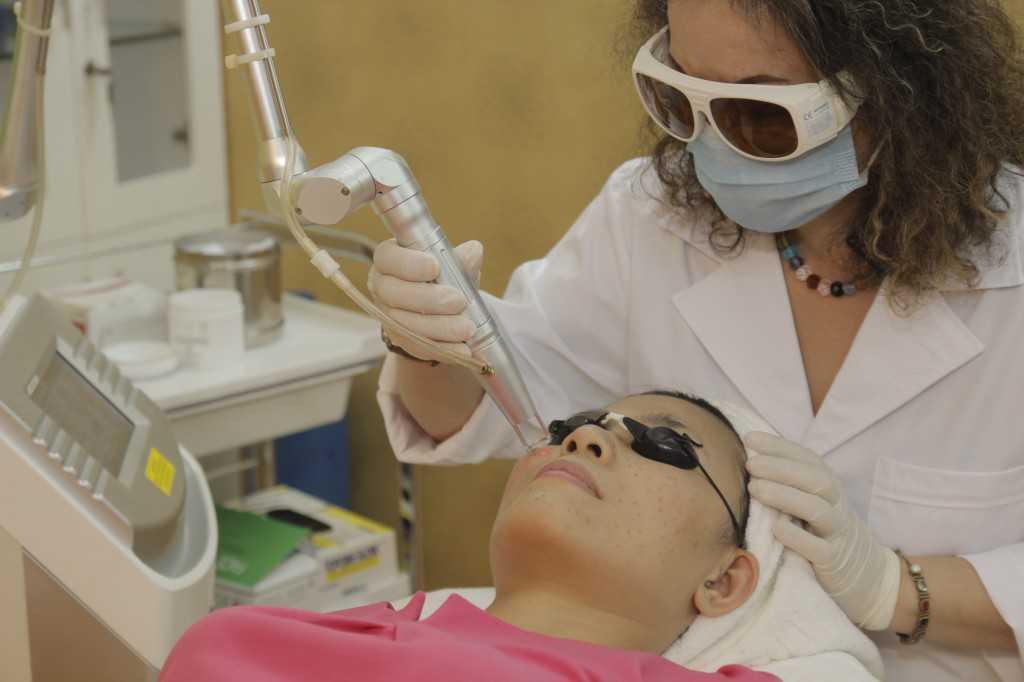 Trị tàn nhang sau sinh bằng công nghệ Laser Toning