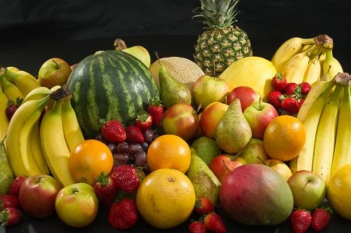 bổ sung hoa quả giúp khắc phục nguyên nhân gây tàn nhang